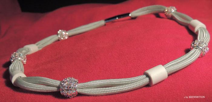ARTIKEL 5080 auch als Halskette tragbar CHF 59.00